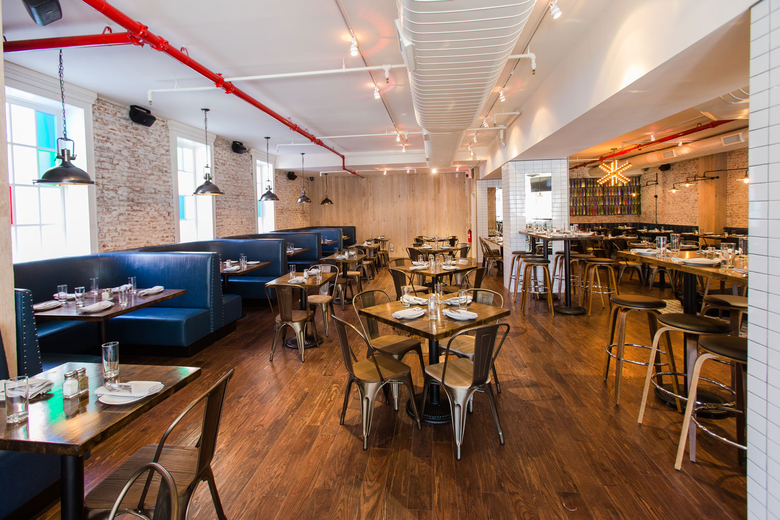Harlem 39 s best american restaurant row house for Home restaurant
